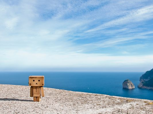 click to free download the wallpaper--Wallpaper Free Computer, Danbo in Formentor, the Seemingly Connected Sky and Sea