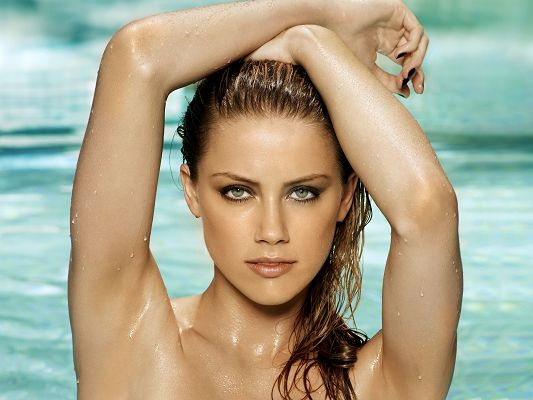 Wallpapers and Backgrounds Download, Hot Amber Heard in Water, Naked Beautiful Lady