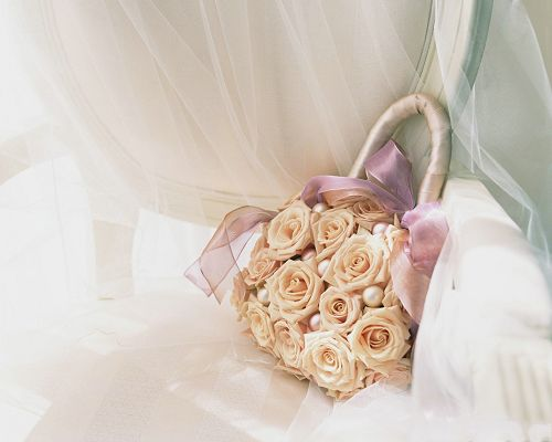 click to free download the wallpaper--Wedding Flower Images, Floral Bag, White Yarn Around, Amazing Look
