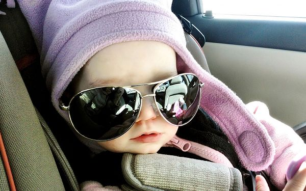 Well-Dressed Baby Boy, Wearing Dark Glasses, There is No Facial Expression, He Will be Attracting Many Girls - Cool Baby Wallpaper