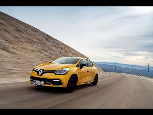 click to free download the wallpaper--World-Known Cars Image of Renault Clio RS, from Front Angle, It is Doing and Looking Good