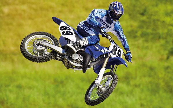 click to free download the wallpaper--Yamaha Motocross Bike HD Post in Pixel of 1920x1200, a Jumping Car Due to His Drive, He is Bound to be a Great Racer, Cheer For Him and the Motocar - TV & Movies Post