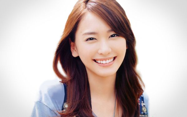 Yui Aragaki in Her Bright and Open Smile, She Must be Easy to Get in Touch, Can Warm One's Heart - HD Artists Wallpaper