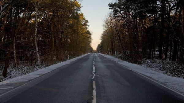 beautiful scenery pictures - A Black and Straight Road, Amazing Scenes Alongside, Looks Endless