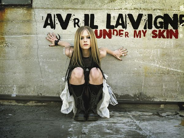 beautiful singer: Avril Lavigne  ,click to download