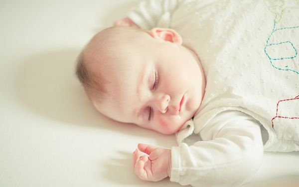 Free Wallpaper Of Baby - A Sleeping Baby