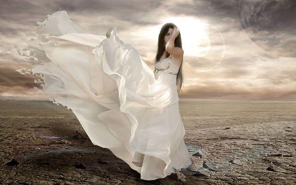 Free Wallpaper Of Beauty: A Girl In The Open Field