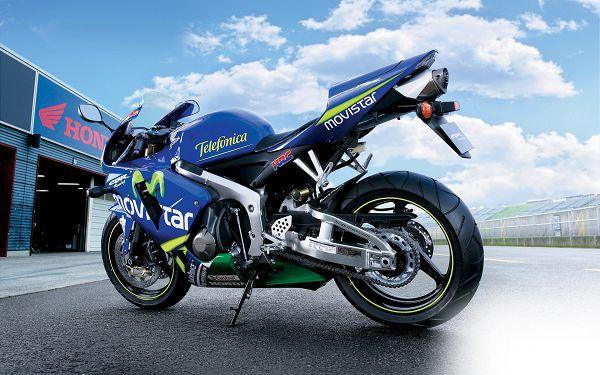Free Wallpaper Of Motorcycle: Blue Honda CBR600RR