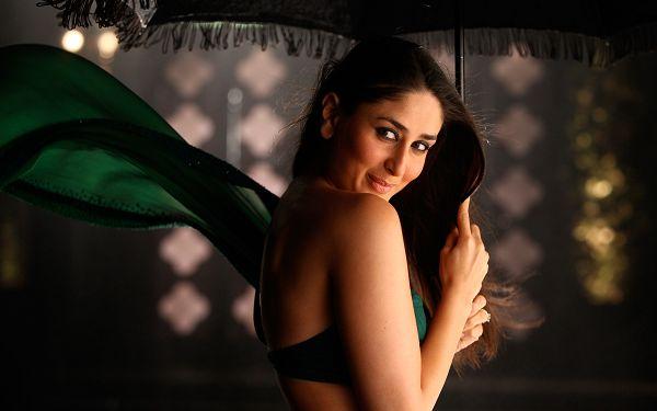 Free Wallpaper Of Star: Bollywood Phoenix Level Beauty - Kareena Kapoor