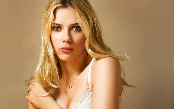 Free Wallpaper Of Stars: The Most Sexy Actress Scarlett Johnson
