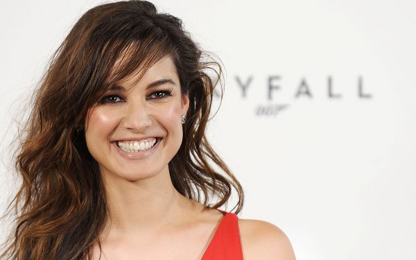 Free Wallpaper Of The New  Bond Girl: Berenice Marlohe