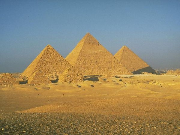 great wallpaper: The Pyramids of Egypt  ,click to download