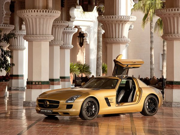 high quality wallpaper: yellow Benz ,click to download
