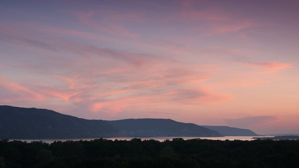 landscape photos - The Sea is Falling Asleep, the Sky is Pink in Look, a Dusk Scene
