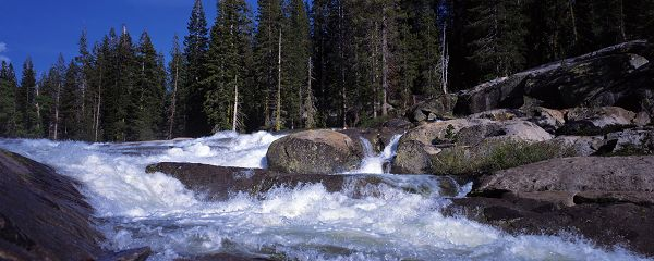 click to free download the wallpaper--nature scenes - Clear River Flowing Rapidly, Big Stones in the Middle, is an Impressive Scene