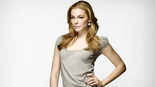 Wallpaper Of A Singer In USA: Margaret LeAnn Rimes