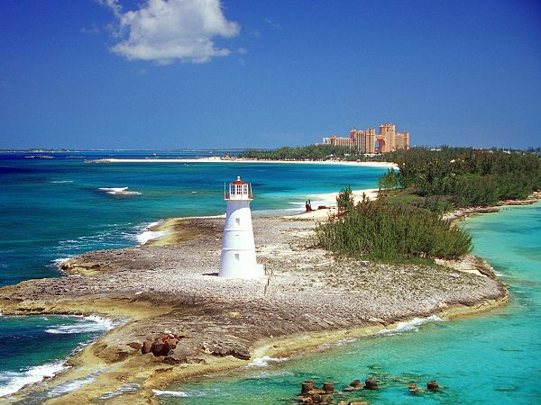 wallpaper of beach: the paradise island in Nassau ,click to download