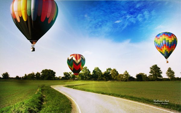 wallpaper of beautiful scenery: colorful balloons in the sky  ,click to download