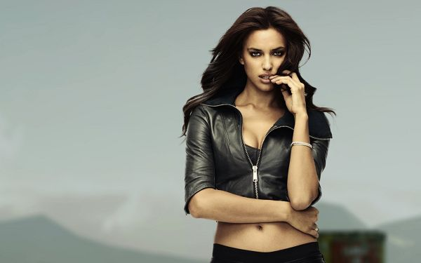 Wallpaper Of Stars: Famous Underwear Model Irina Shayk