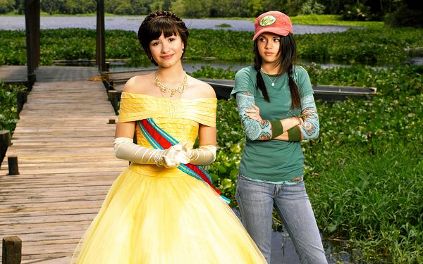 wallpaper of young girl star-Demi Lovato and Selena Gomez,click to download
