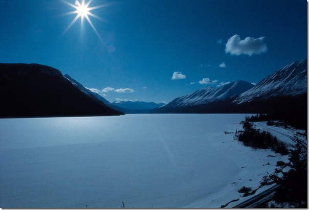 Free beautiful scenery wallpapers: Snow Mountain and Lake Very Quiet scenery