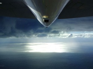 Free Photos of Airplane, an Enormous Plane Flying Over the Sea, Majestic Scene