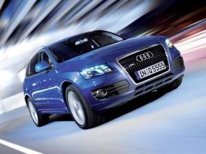 Free Car Pictures, Blue Audi Q5 Quattro Car in Pretty Full Speed, Great Look
